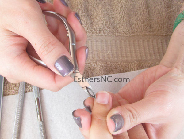 how to apply shellac nail polish - cut hang nails