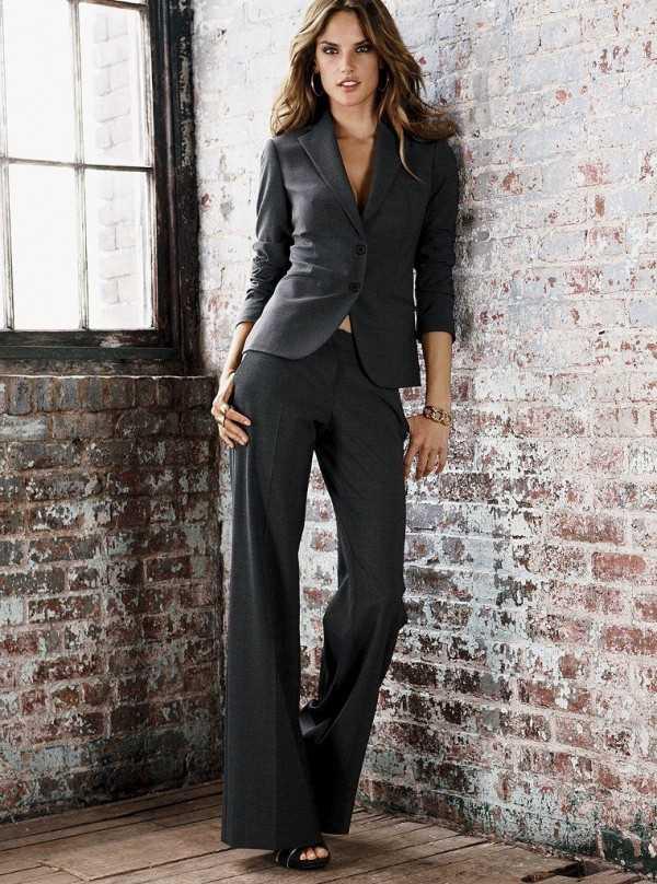 283e96009a6e Подобная одежда позволяет подчеркнуть деловой стиль, но при этом выделить  все положительные стороны фигуры женщины. Для производства строгих костюмов  может ...